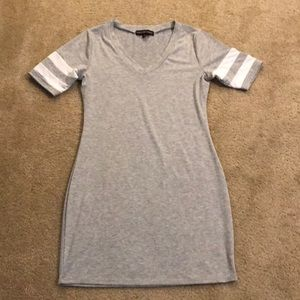 Almost Famous Size L Gray Dress